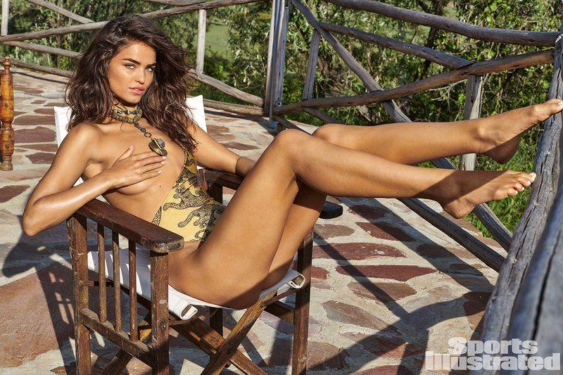 0409070145382_20_Robin-Holzken-Nude-Sexy-TheFappeningBlog.com-21.jpg
