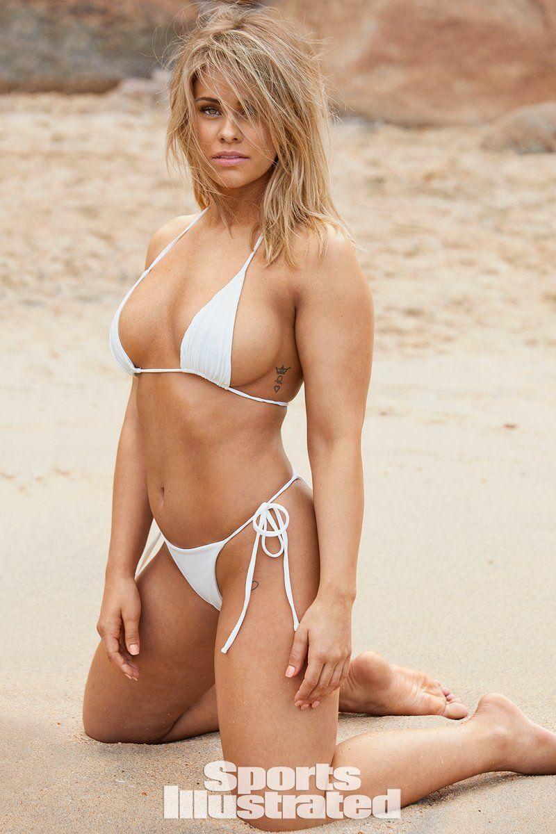 0409070529440_24_Paige-VanZant-Nude-Sexy-TheFappeningBlog.com-25.jpg
