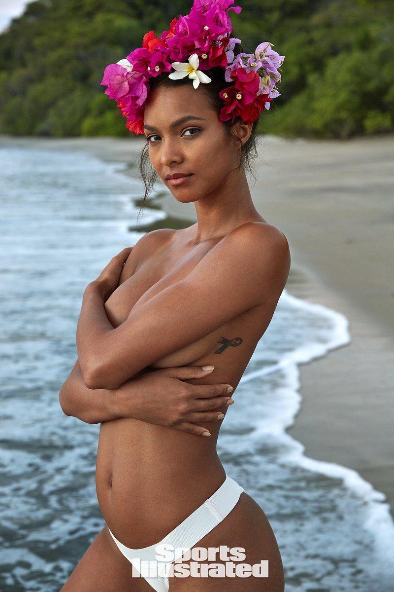0409085859768_30_Lais-Ribeiro-Nude-Sexy-TheFappeningBlog.com-31.jpg
