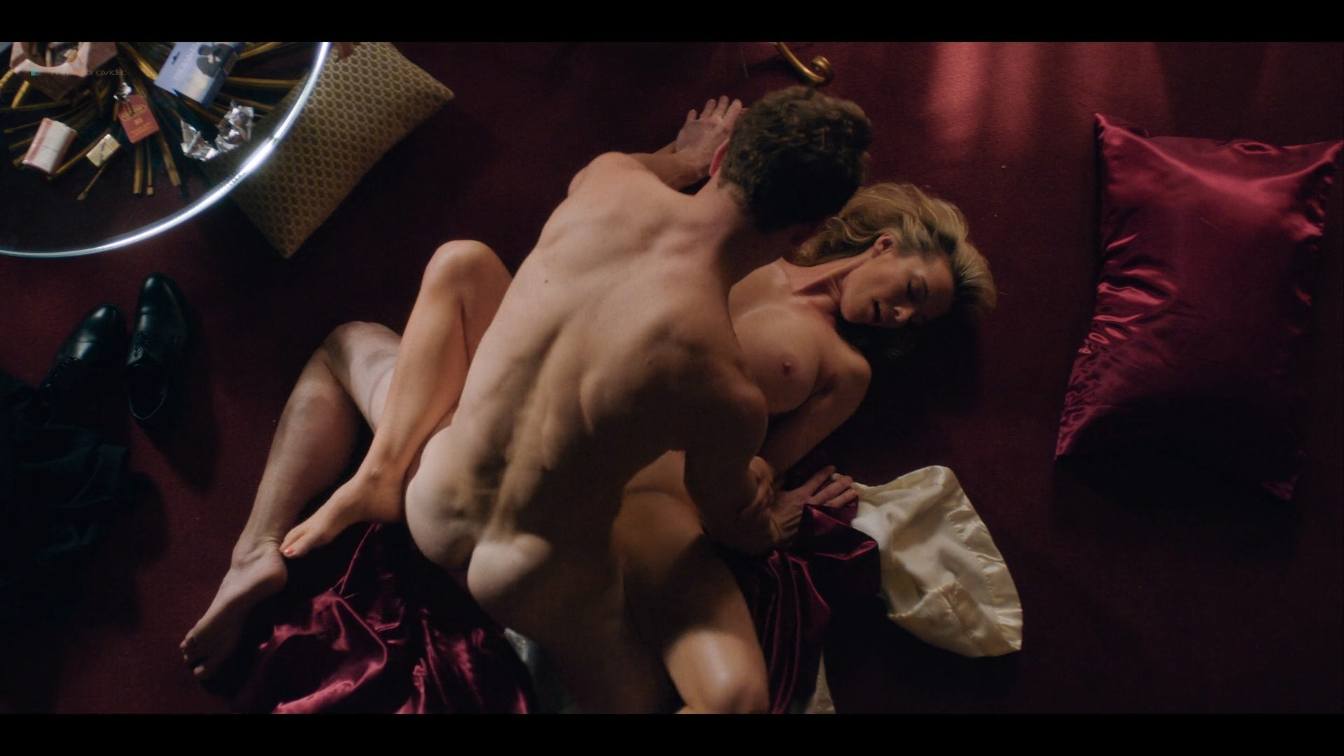 0710213425772_06_Betty-Gilpin-nude-sex-Kate-Nash-sex-others-hot-Glow-2019-S3-HD-1080p-0013.jpg