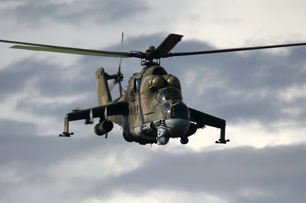 Russian_Air_Force_Mil_Mi-24P_Dvurekov-4.jpg