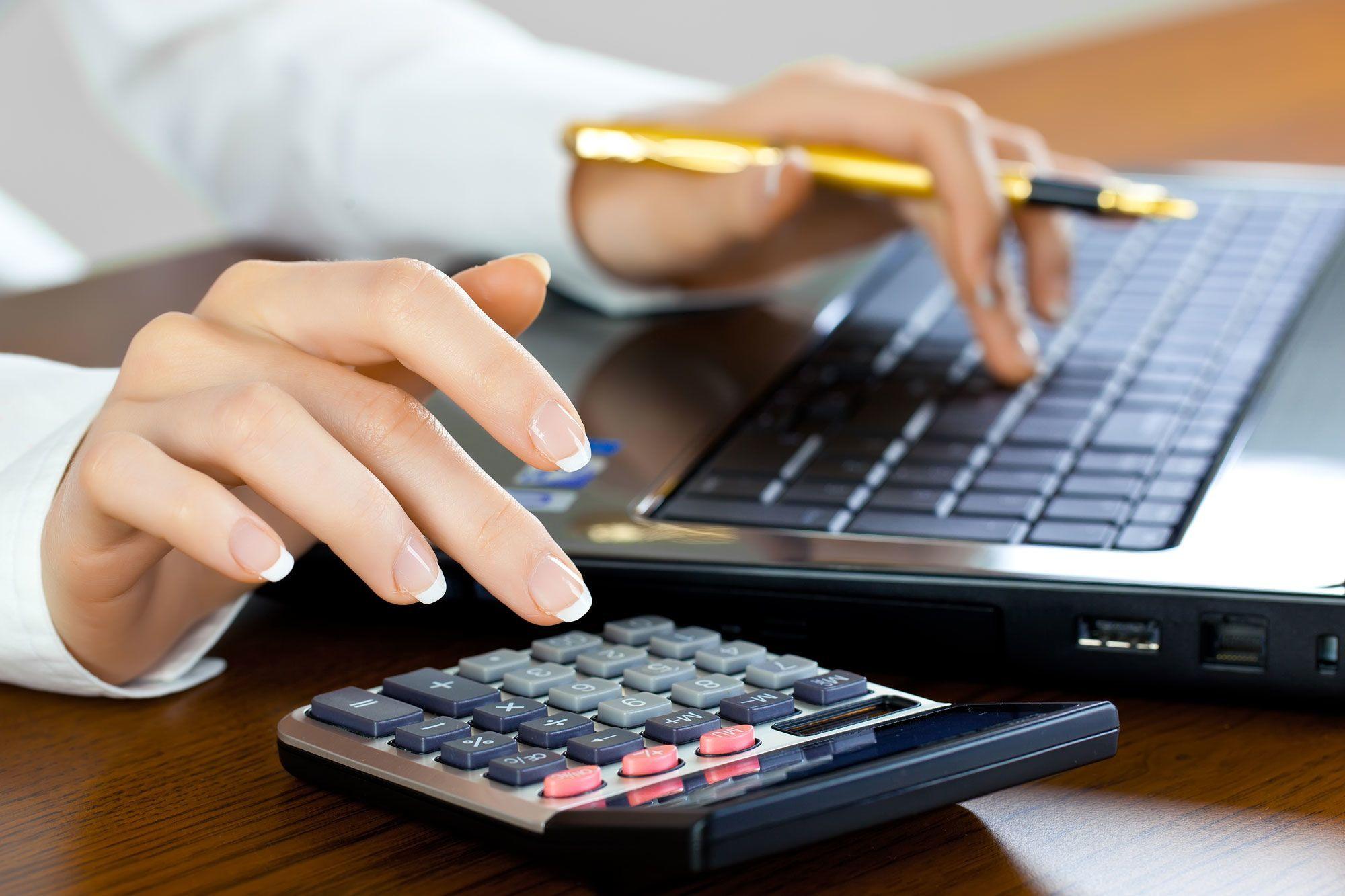 Плюсы и минусы быть бухгалтером. Как могут помочь с основами курсы бухгалтера с нуля