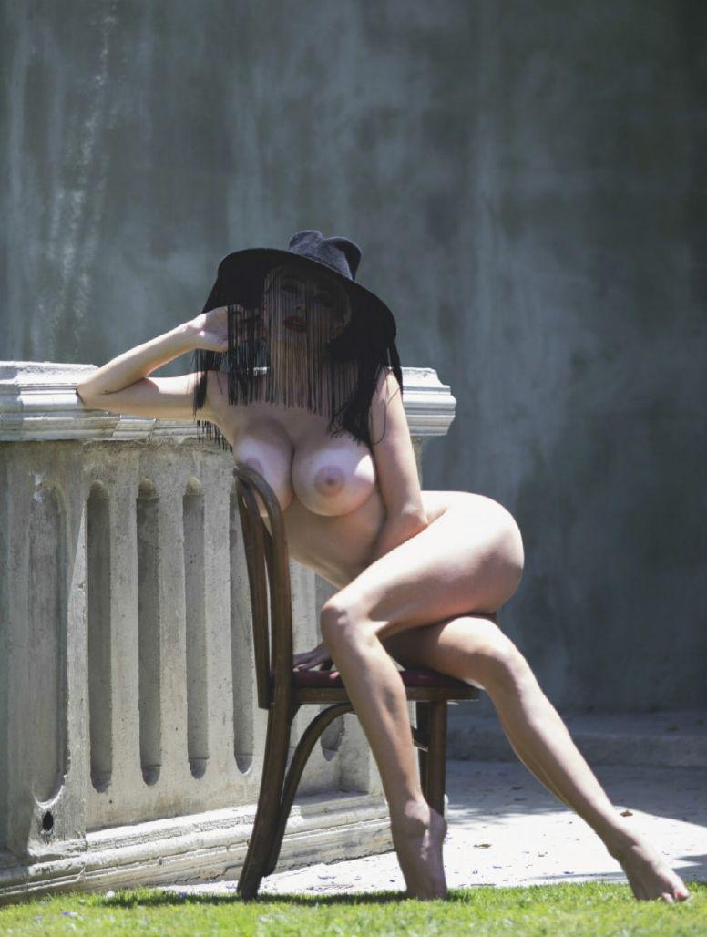 0906093204038_14_Caroline-Vreeland-Nude-Sexy-TheFappeningBlog.com-15.jpg