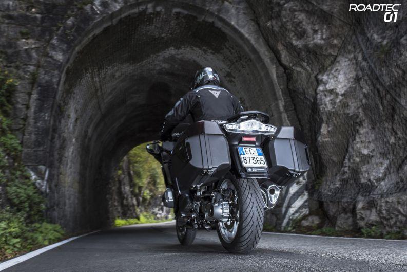 Мотоциклетные шины METZELER ROADTEC 01 и METZELER ROADTEC Z8