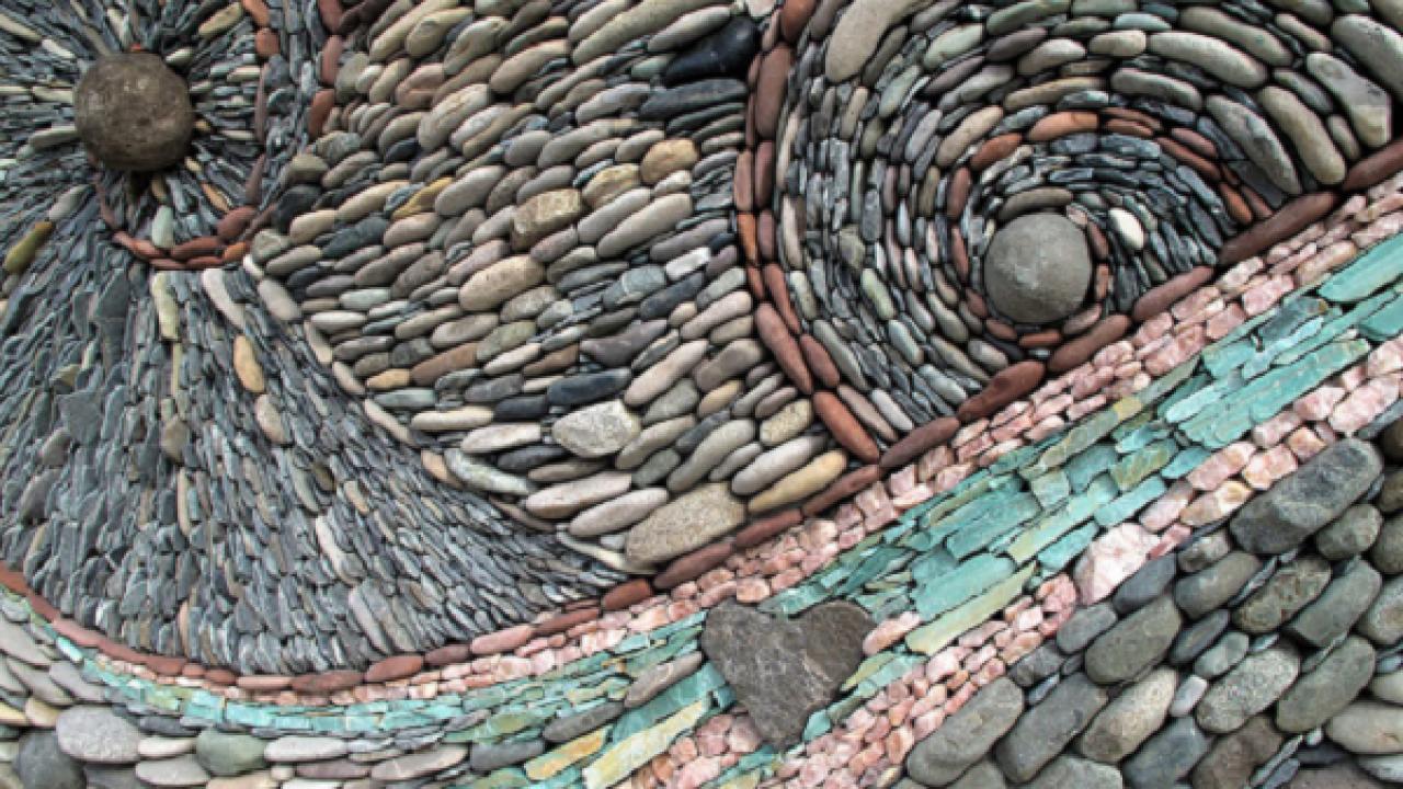 Мозаика из камня и гальки