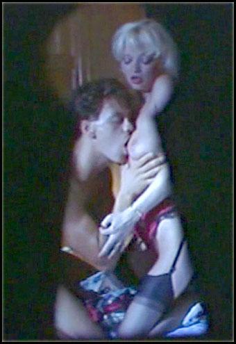 Uschi Karnat aka Sandra Nova - Внимание! Маленькие девочки / Attention! Fillettes (1987) DVDRip |