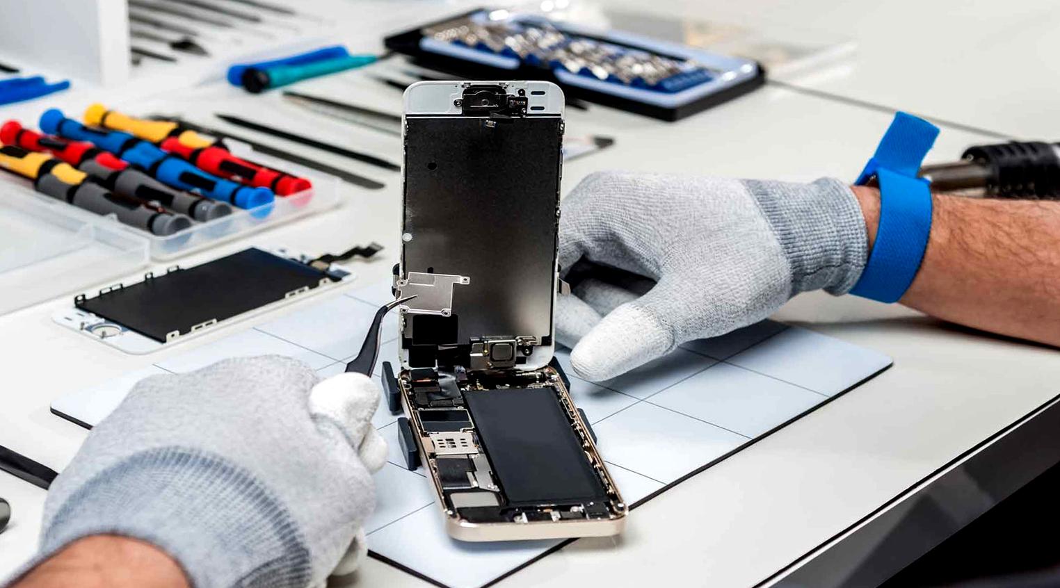 Ремонт iPhone в Минске в компании Pedant: в чем преимущества