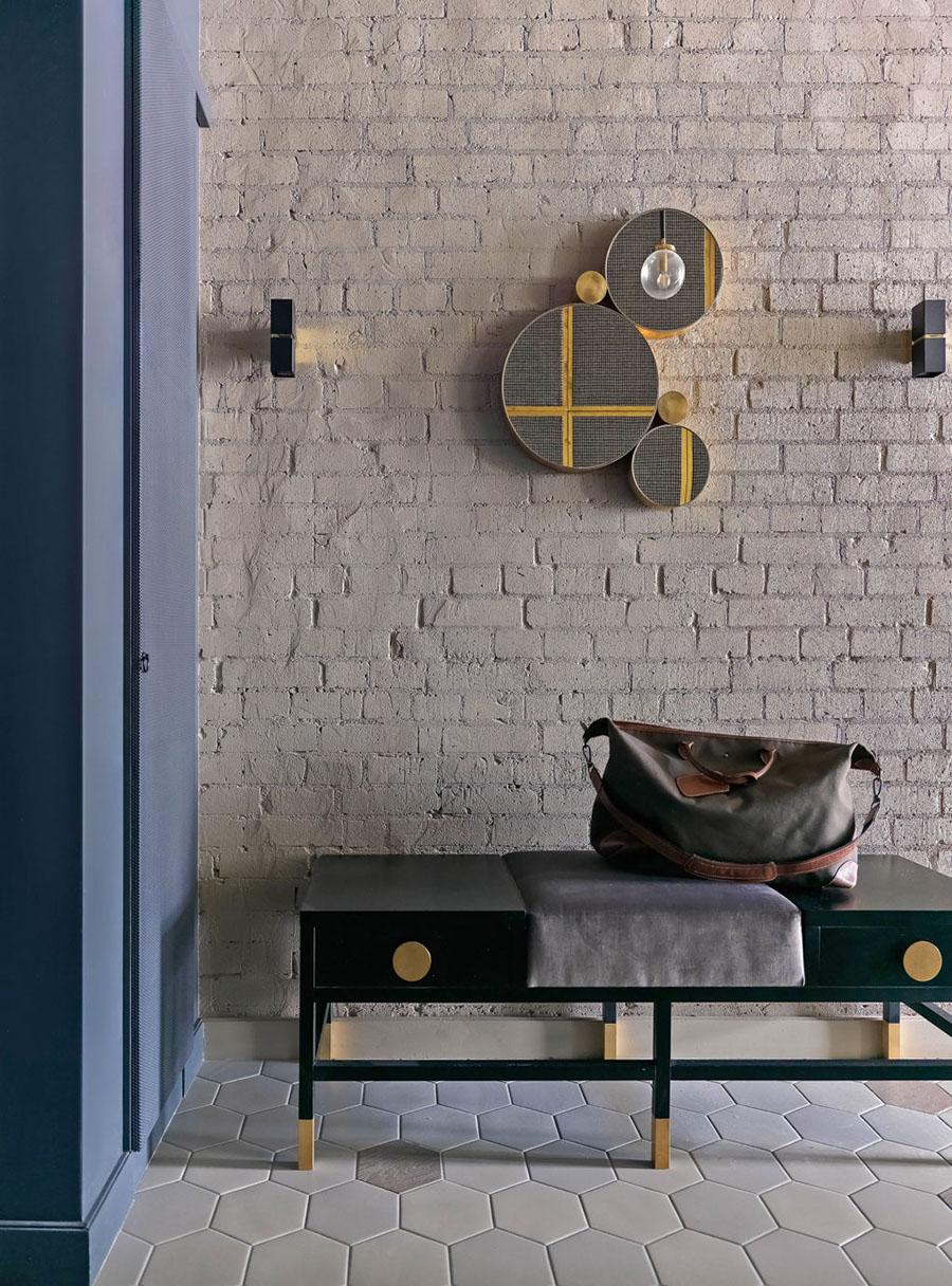 Зеркало Mickey и козетка Z003 в проекте дизайнера Марии Ватолиной