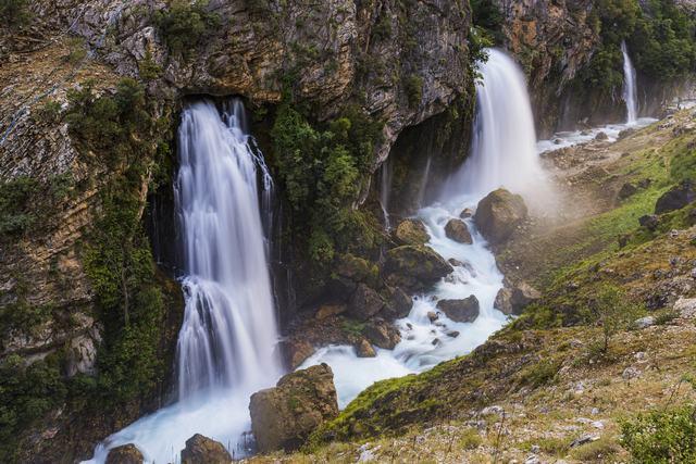 Обои - Водопады №3 [JPG]
