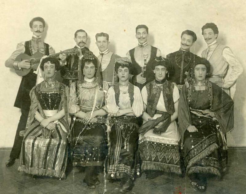 Pervye-travesti-revolyutsionnogo-Petrograda-4.jpg