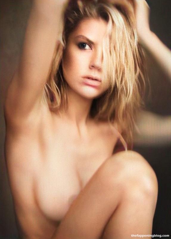 Charlotte-Mckinney-Nude-1-thefappeningblog.com_.jpg