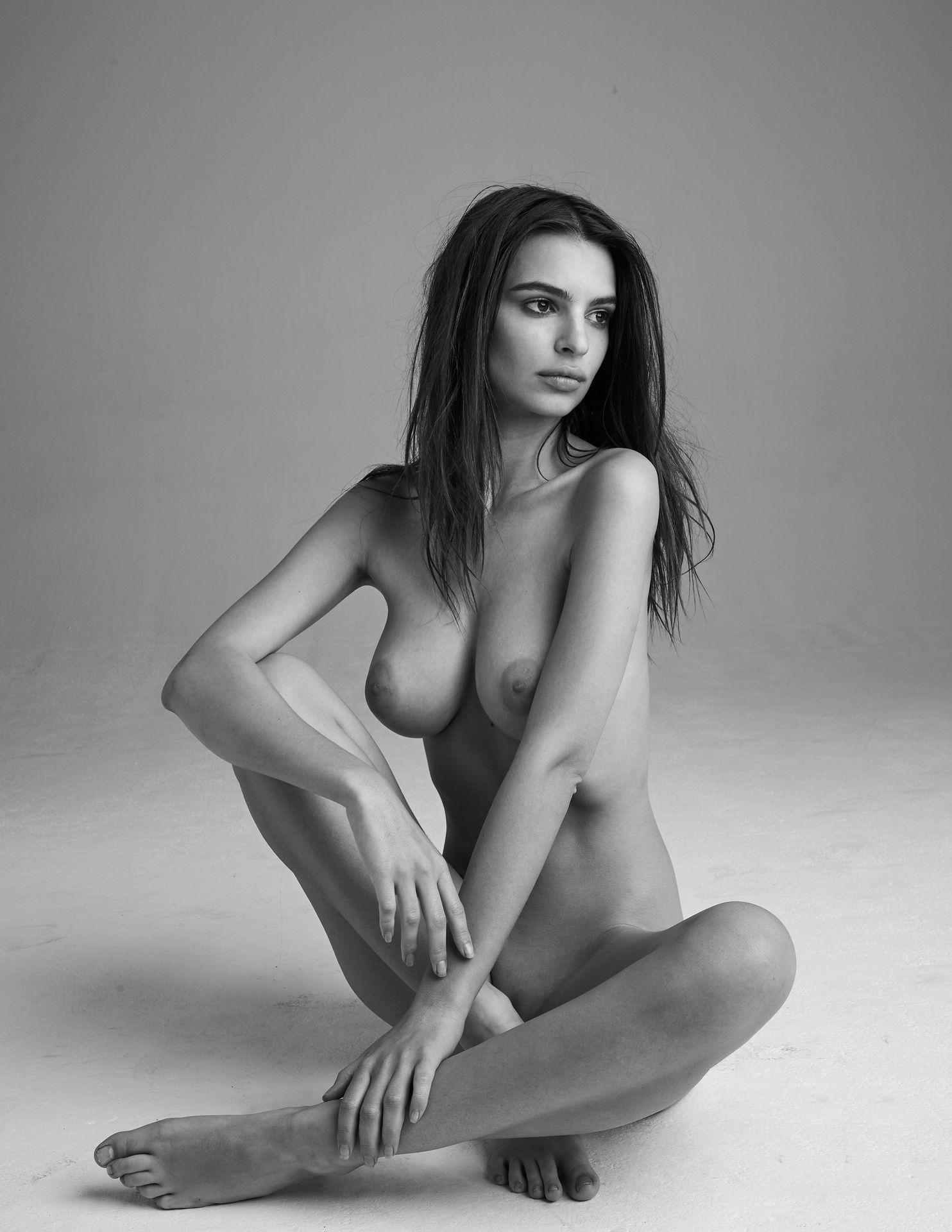 Emily-Ratajkowski-Nude-13-thefappeningblog.com_.jpg