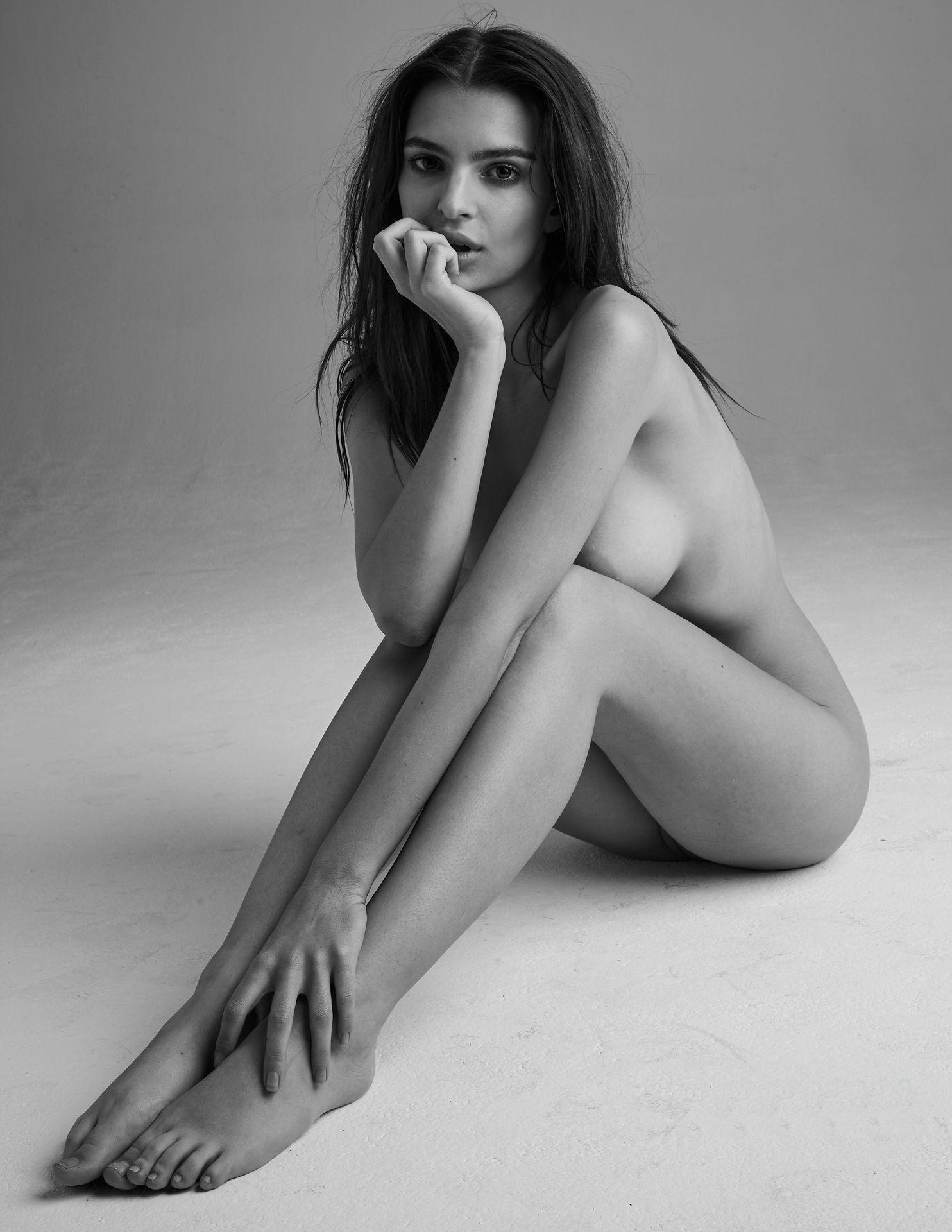 2Emily-Ratajkowski-Nude-24-thefappeningblog.com_.jpg